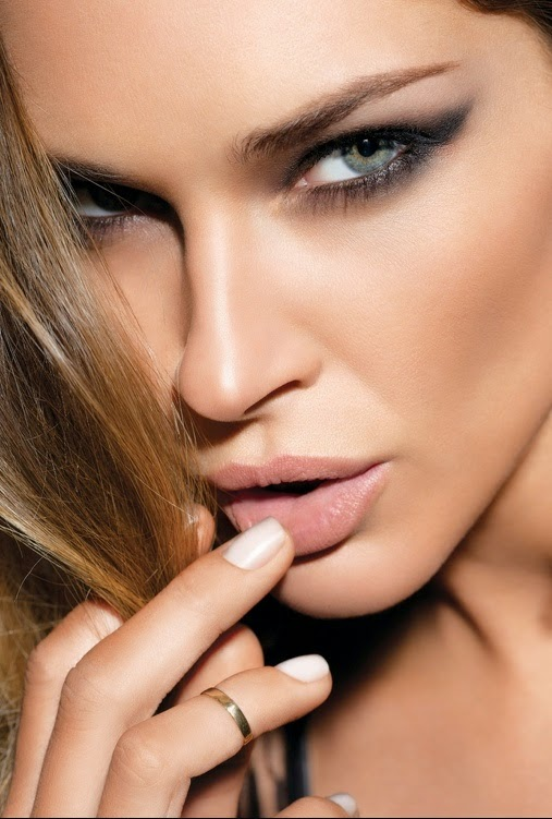http://www.uplooder.net/img/image/15/c792837d6212a0194465ca5653b80b7a/makeup_4_www.200model.blogfa.com.jpg