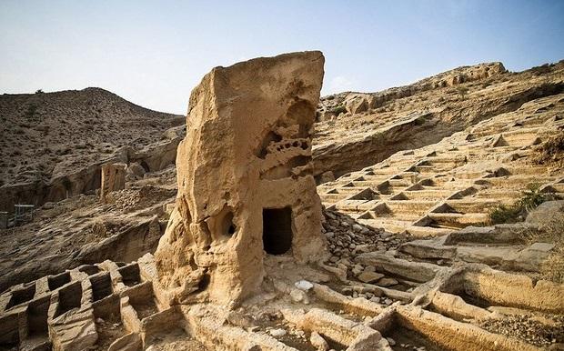 بندر باستاني سيراف