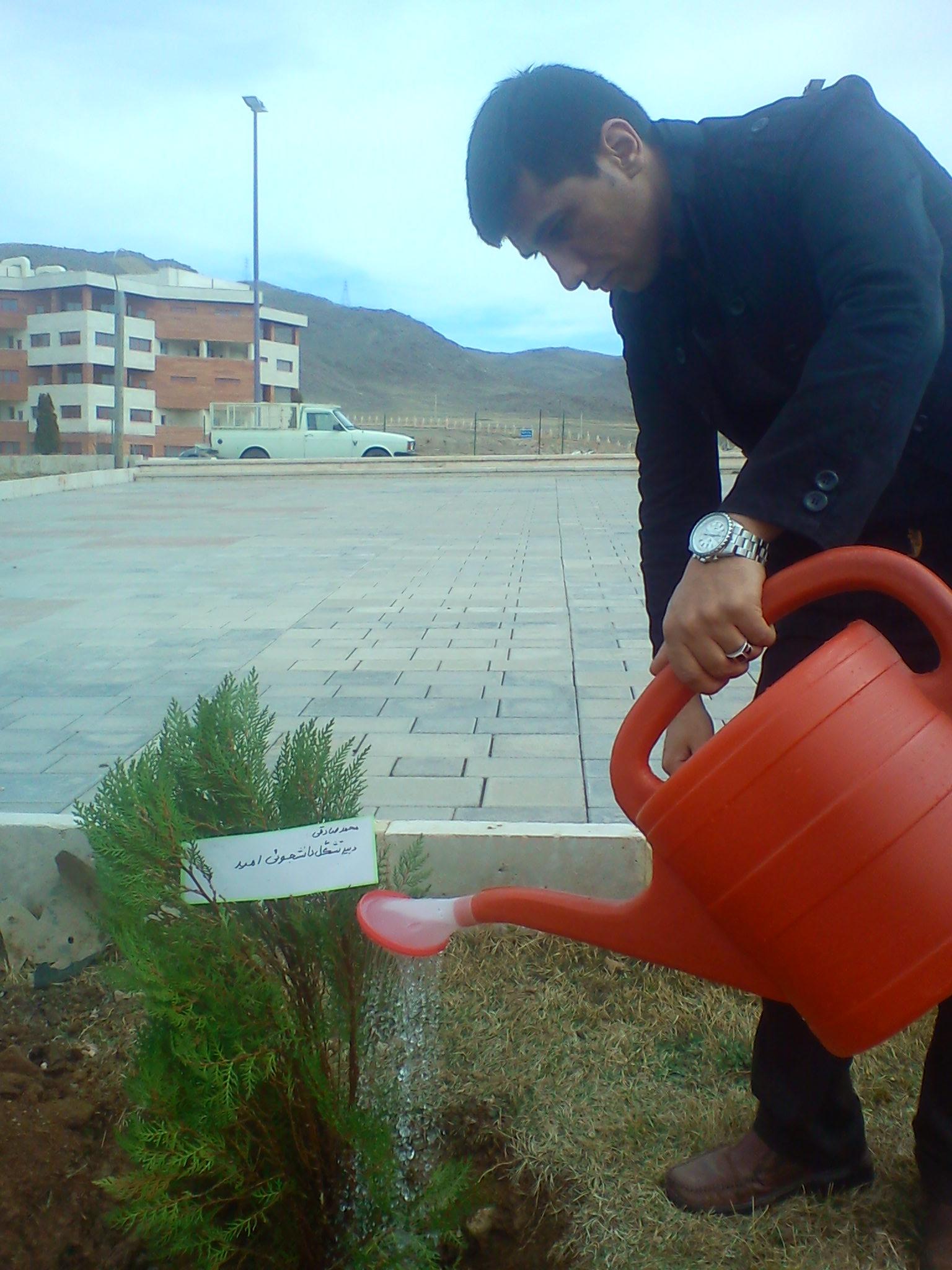 مراسم روز درختکاری با حضور دبیر تشکل امید