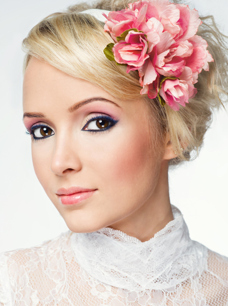 http://www.uplooder.net/img/image/31/32bae5850cdb0699f705c12da312e457/makeup_6_www.200model.blogfa.com.jpg