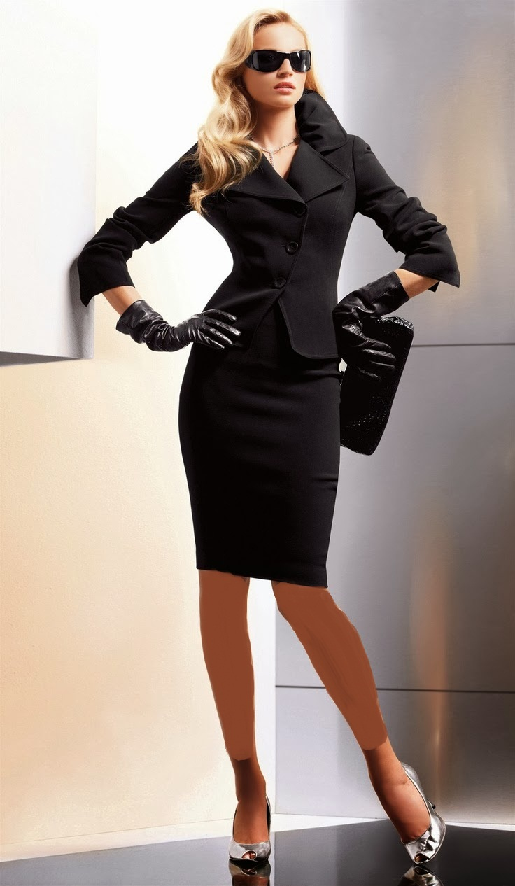 http://www.uplooder.net/img/image/38/b83717ad55cd37d2efd170668e585d14/Classic_Suit_and_Skirt_15.jpg