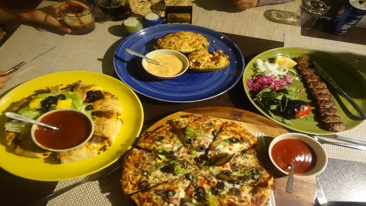 رستوران گردان هتل بزرگ شیراز