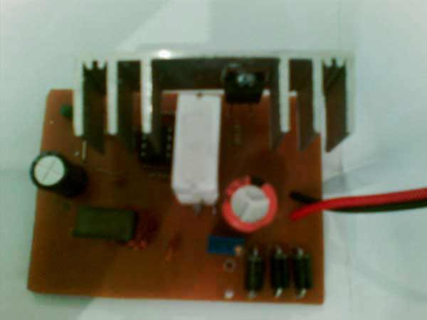 افزاینده ولتاژ