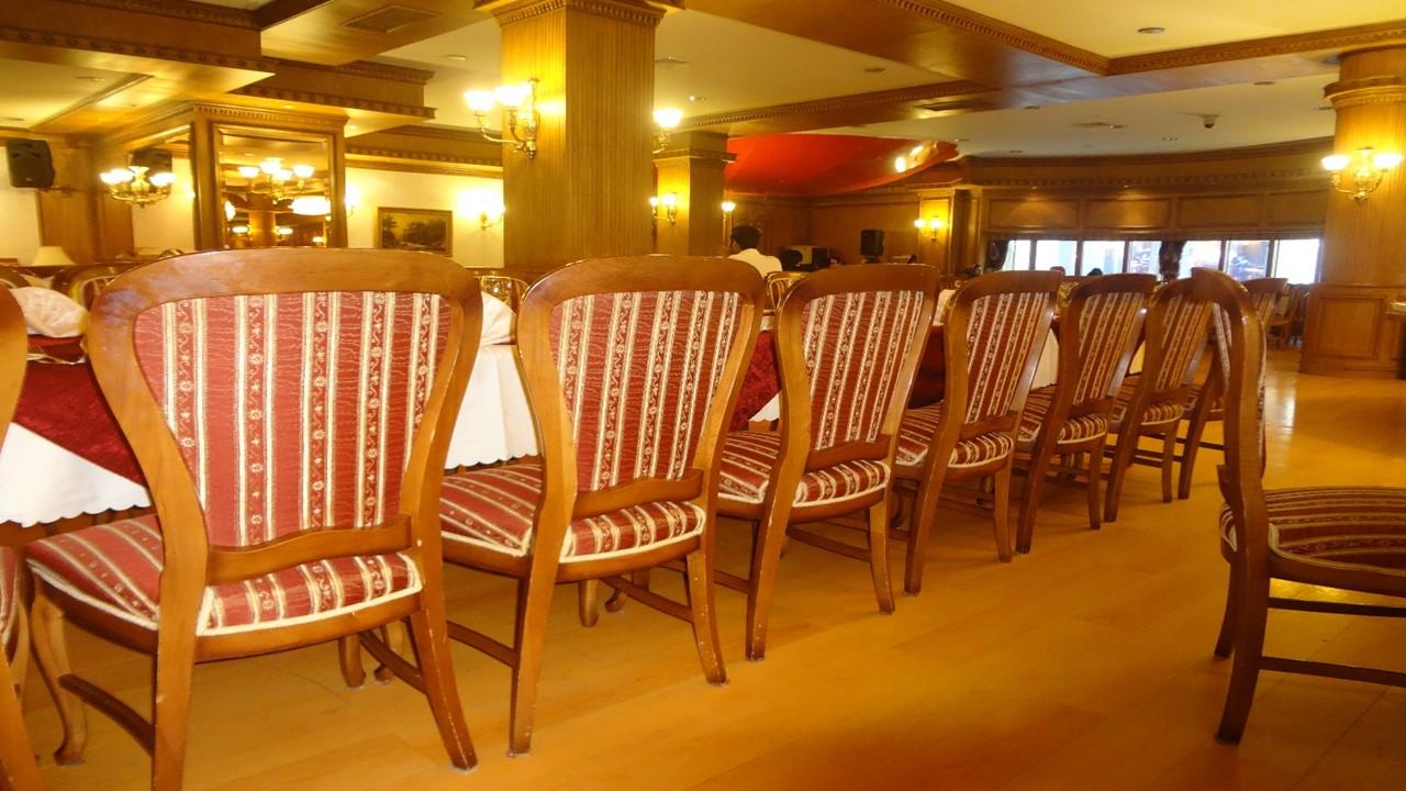 رستوران بزرگ ستاره فارس (لوتوس) شیراز