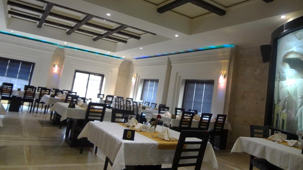 رستوران کلاسیک کاخ پارسه شیراز