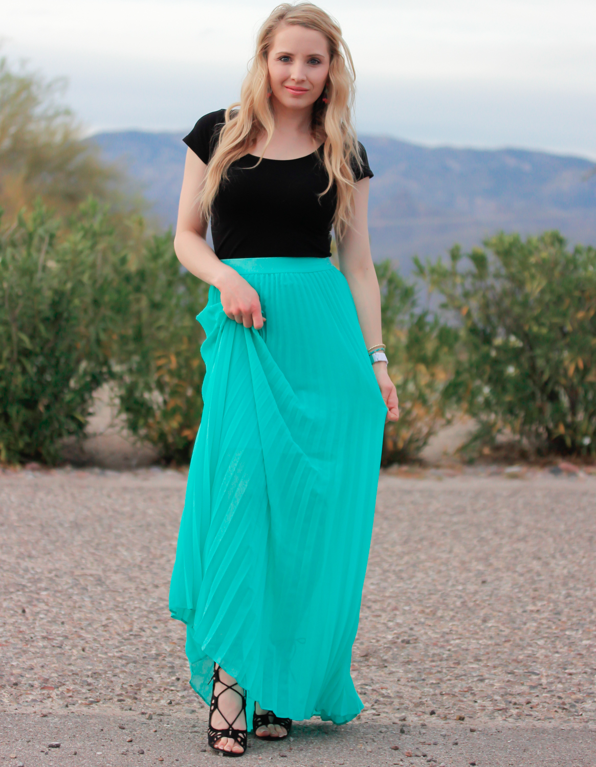 http://www.uplooder.net/img/image/77/e38dacc00b3d10029533ba4412d6afdb/mint-pleated-maxi-skirt-www.200model.blogfa.com.jpg
