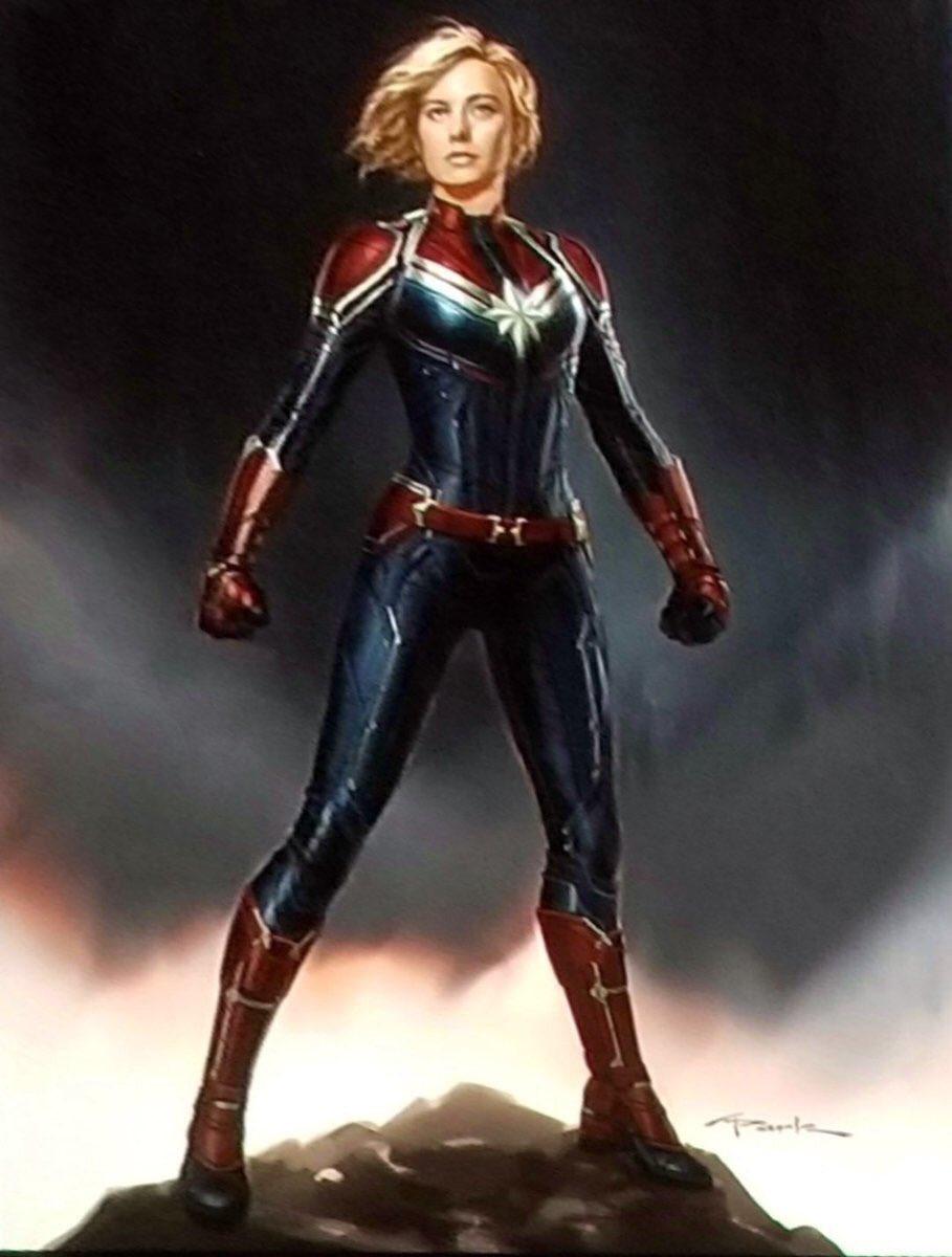 لباس کاپیتان مارول