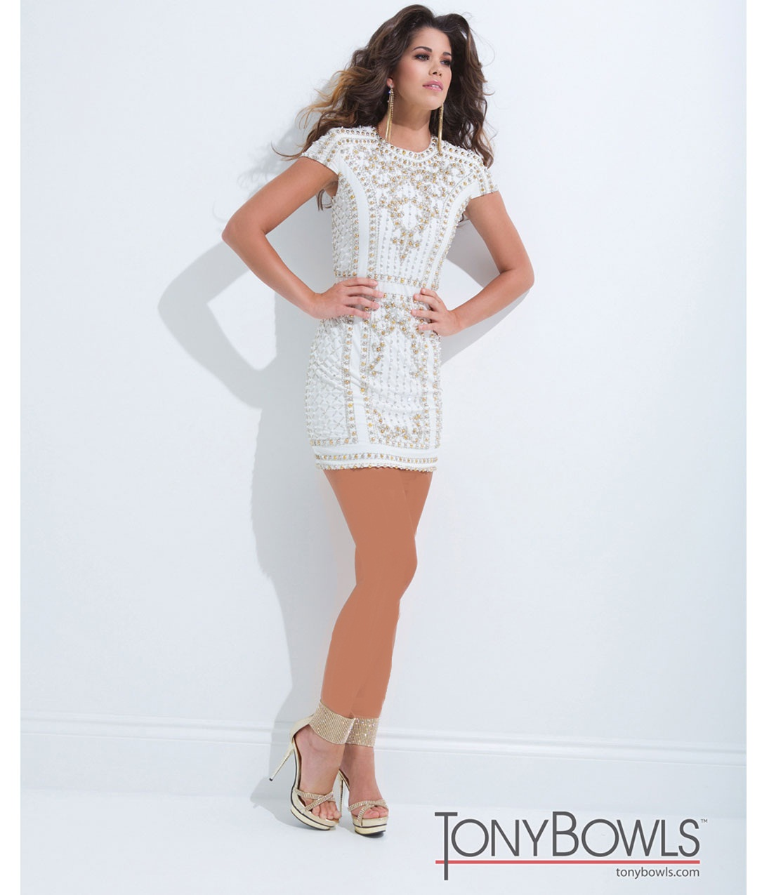 http://www.uplooder.net/img/image/88/acdb4c7cc2432c94a765115985a05411/white-gold-jersey-short-prom-dress-38506larger.jpg